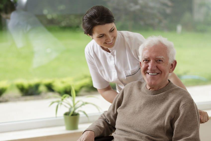 Altenpflege mit Kräutern